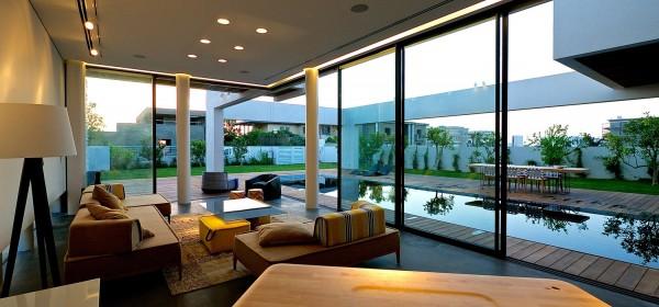 open-living-room-design-Modern-Farmhouse-villa-design-development-construction-designer-builder-contractor-maxwell-India