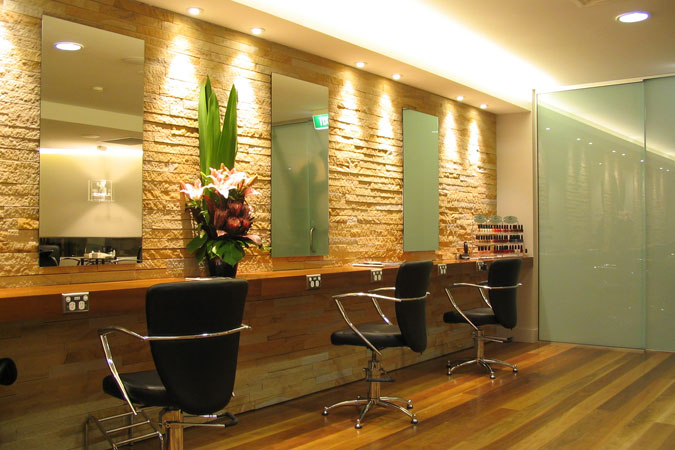 want-to-do-interior-works-for-beauty-salon-delhi